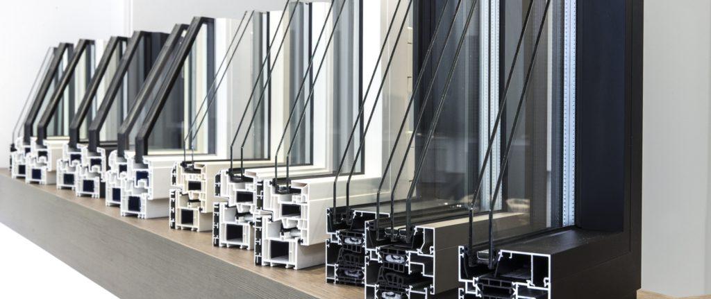 alu pvc 1024x431 - Menuiseries PVC ou aluminium :  comment choisir ?