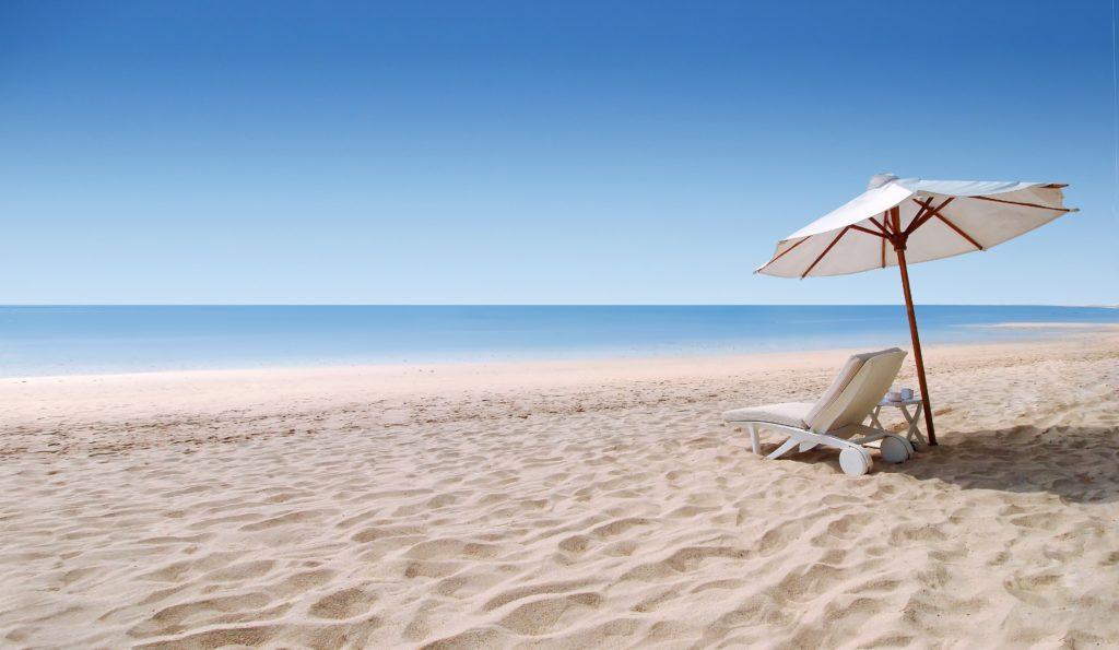vacances securite 1024x595 - Partez en vacances l'esprit tranquille en installant une porte blindée