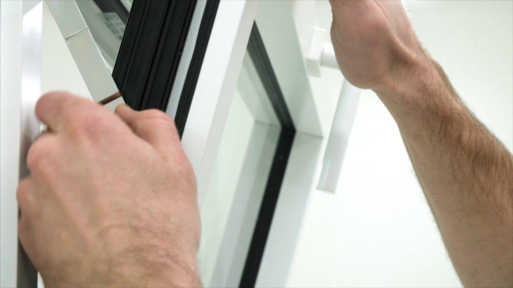 maxresdefault 1024x576 - Les systèmes de matériels intelligents intégrés pour portes et fenêtres