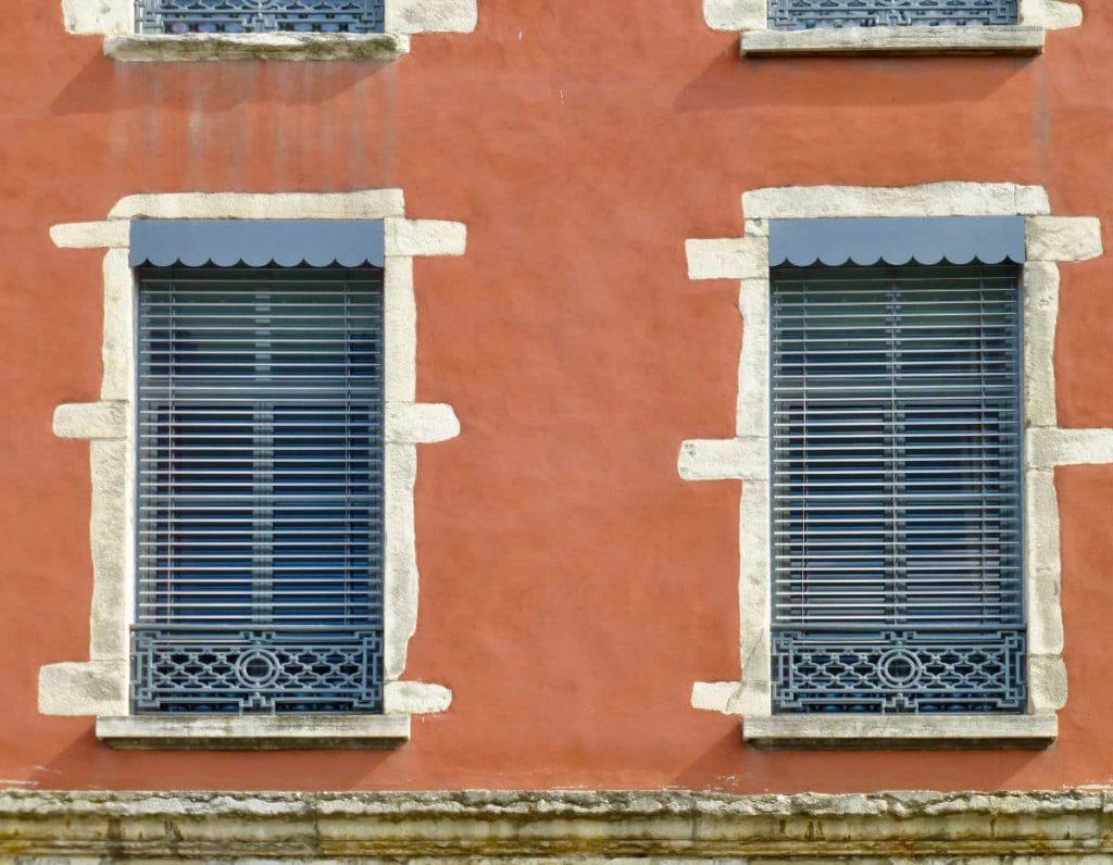 Lyon jalosuie specialiste de la jalousie lyonnaise 1024x796 - Jalousie Lyonnaise