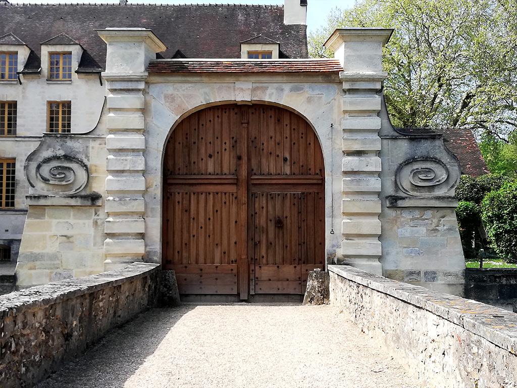 Restauration Chateau Pont Louveciennes 2 - Fenêtres bois monument de France