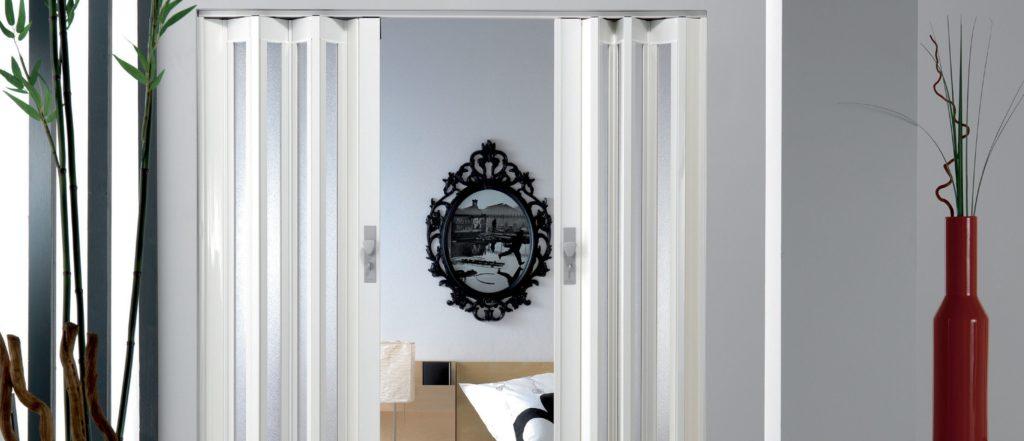 porte  1024x441 - La porte accordéon, une porte très pratique
